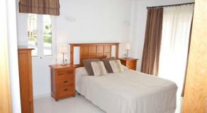 LO03 Master Bedroom